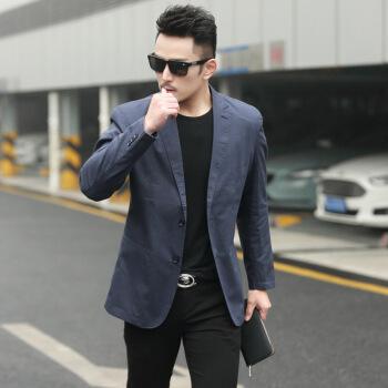 スーツの男性上着を少し詰めます。青年用薄手のスーツです。春と秋に韓国式のカッコイイスーツです。
