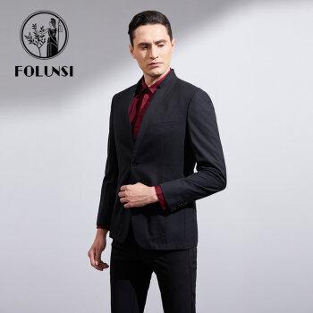 【折】フォルクスクスメンがシングルでブラックのファッションを取り入れたカジュアルスーツの上着を着て、中年黒の48/170