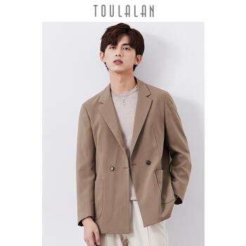 トゥーランは秋にスーツのジャケットを少し詰めます。男性は韓国式です。男性はハンサムです。男性はスーツの格好がいいです。ダブルのボタンは青年は薄いです。コーヒー色は50/Lです。