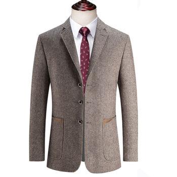 ピルカダン官ネット店の男性は単西毛の単品の上着のスーツの中年の三粒を少し詰めて父のオーバーのスーツの新品のラクダ色の三粒をボタン(つぎ)160 Bを掛けます。